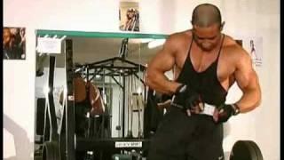 mehr auf http://www.bodyplanet.de Tamer Galal, ehemaliger Mr. Universum zeigt Uebungen zum Muskelaufbau.