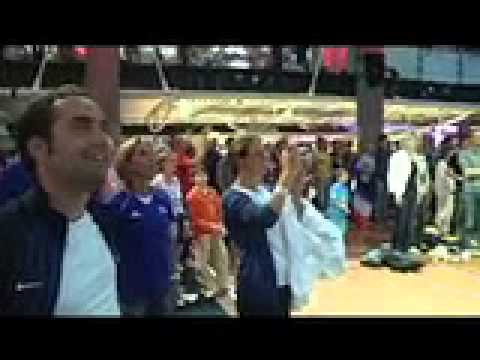 Le Club France en liesse après le titre olympique de Lucie Décosse (Judo)