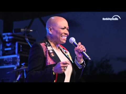 What a wonderful world - Dee Dee Bridgewater @ Earth Day 2015