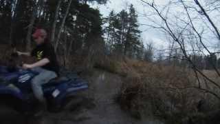 9. 2004 Yamaha Bruin 350 4x4 Mudding
