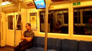 TRAVELLING BY MRT - REIZEN MET DE METRO IN BANGKOK 3.12.2011