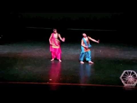 Barso - Performed by Manpreet and Naina @ WARRIOR BHANGRA 2011 Visit us on facebook: http://www.facebook.com/pages/Naina-Manpreet/157575380933744.