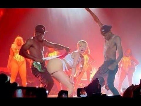 La - Sígueme en mis redes sociales y encuentra más vídeos Facebook.com/FreddyMezaTv Twitter @FreddyMezaTv Así se vivo la tan esperada presentación de Miley Cyrus en su Bangerz Tour, la polémica...