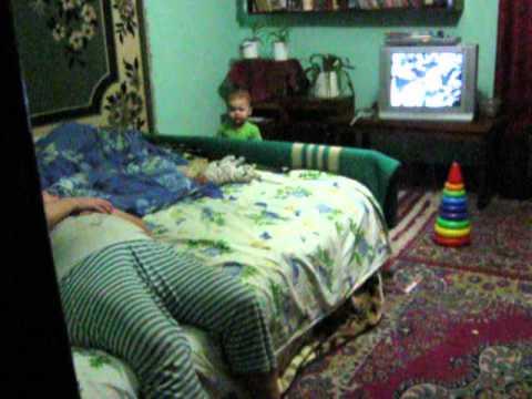 """""""Мій шалений день"""": Рюня, 1 рік 4 місяці, грається з бабусею"""