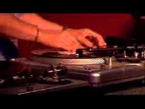DJ D Style @ The United DJ Mixing School