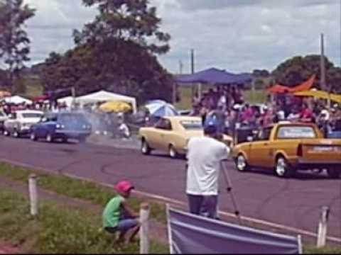 DESFILE DOS CARROS DE ARRANCADA EM TAMBOARA