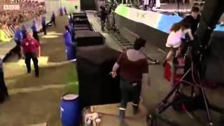 HAIM - Let Me Go + Drum solo - Live at Glastonbury 2014