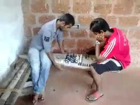 下棋下到一半接個電話,沒想到對方竟然...