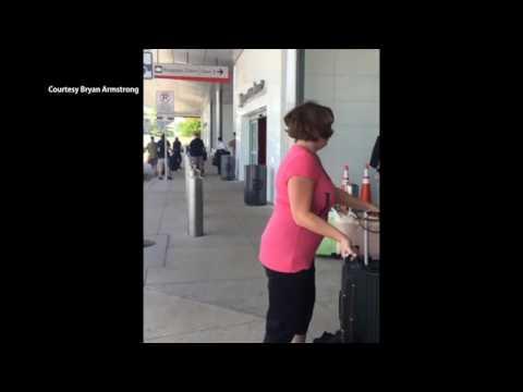 댈러스 공항에서 총격사건  6.10.16  KBS America News