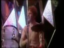 Undertones - Teenage Kick 1978 Are teenage dreams so hard to beat Everytime she walks down the street Another girl in the neighbourhood Wish she was mine, sh...