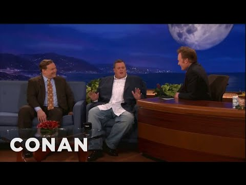 Billy Gardell Enjoys A Porny Bucket Of Chicken
