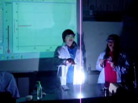 Students demonstrate the burning of Magnesium.  Element Discovery...