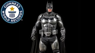 VIDEO: Batman Cosplayer Sets GUINNESS BOOK of World Records