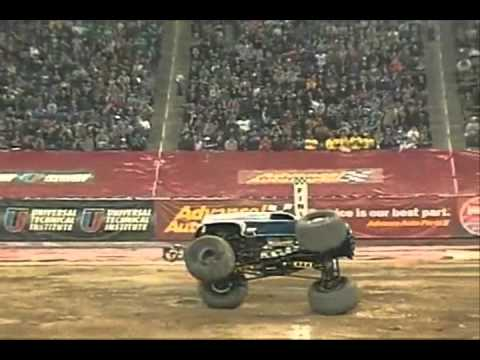 Great Monster Truck crashes and saves!