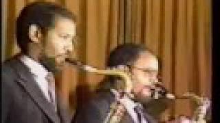 Tekle Tesfazghi With Roha Band - Fikrey Telemeni