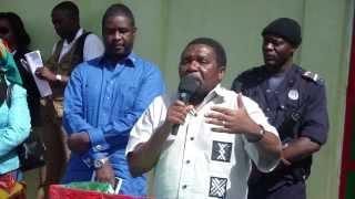 Download Lagu Isaías SAMAKUVA Presidente da UNITA, Líder da Mudança em Angola- Bailundo 7 Fev 2014 Mp3