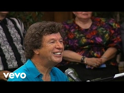 Bill & Gloria Gaither – Through It All (Live)