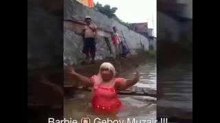 AYU TING TING - GEBOY MUZAIR [ PARODI - BARBIE ]