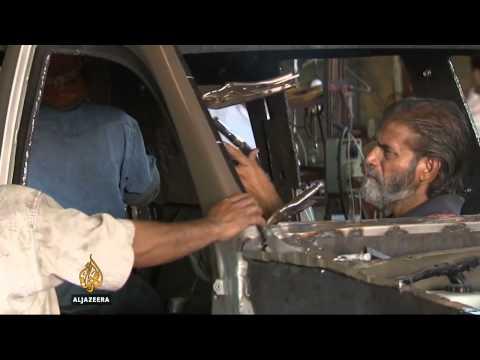 Blindirana vozila hit u Karačiju