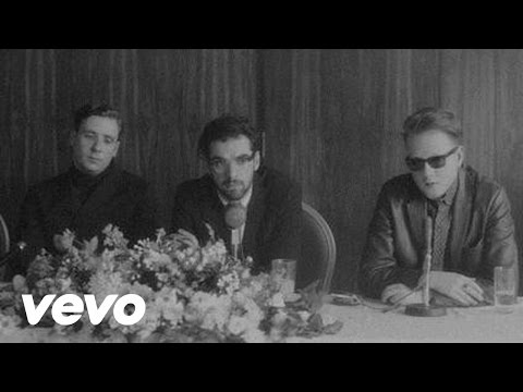 Two Door Cinema Club - Changing of the Seasons[MV]