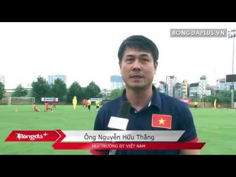 HLV Hữu Thắng hài lòng với mặt sân tập tốt nhất Việt Nam