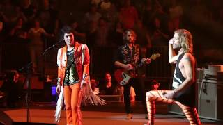 """Under Pressure"" Foo Fighters & Luke Spiller of The Struts@The Garden New York 7/17/18"