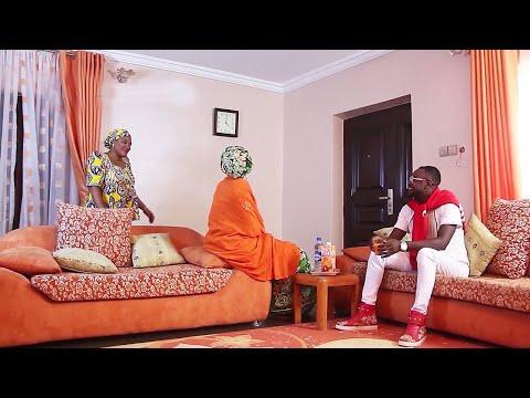 yar aikin gidan dana bi ko yaya yanzu ta auri mai kudi - Hausa Movies 2020   Hausa Films 2020