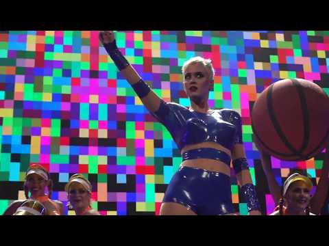 Katy Perry - Swish Swish: Witness: The Tour Opening Night in Montreal (09/19/2017)