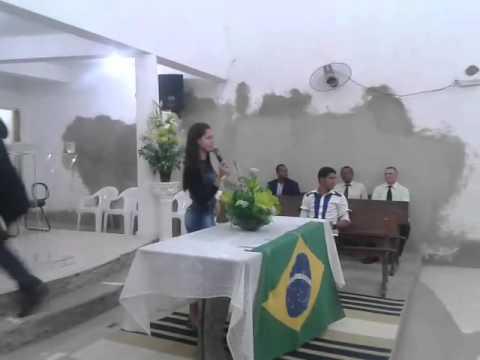Irmã Erika Silva Louvando a Deus em Maruim-SE