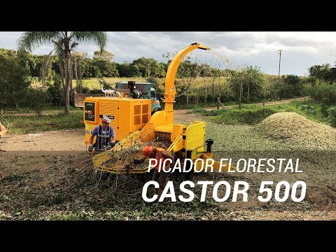 Picador Florestal Castor 500 trabalhando no processamento de resíduos orgânicos