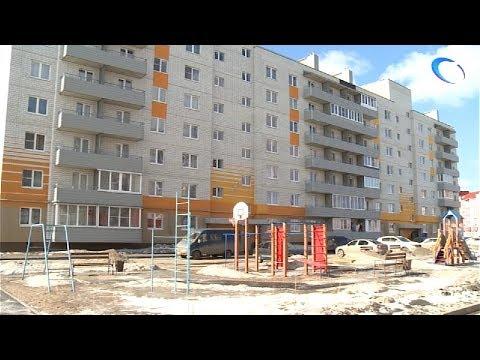 В Псковском микрорайоне прошла проверка квартир детей-сирот и строительства новой школы