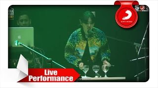 Isyana Sarasvati - Kau Adalah (feat. Rayi Putra) [Live Performance]