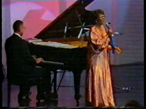 Tekst piosenki Ella Fitzgerald - God Bless the Child po polsku