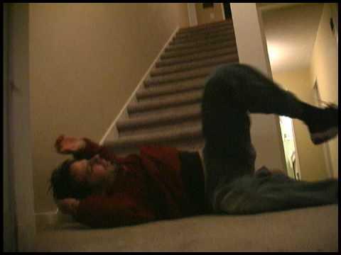 Descendre les escaliers bizarrement…
