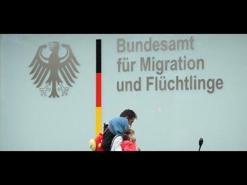 BAMF-Skandal: Zehn weitere Außenstellen werden ...