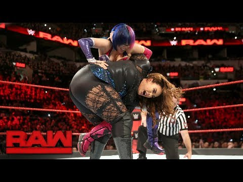 Asuka vs. Nia Jax: Raw, Jan. 15, 2018 (видео)