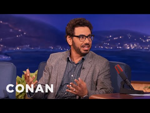 air - Al shares his airplane etiquette rules, from who controls the window to how long to take in the bathroom. More CONAN @ http://teamcoco.com/video Team Coco is the official YouTube channel...