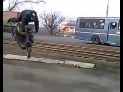 Scooter jumper face plants in video of epic failure