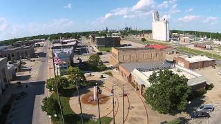Coffeyville (KS) United States  city images : Drone Footage of the Downtown Plaza, Coffeyville Kansas.