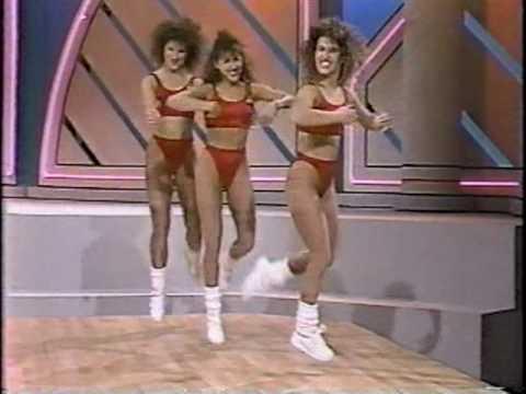 Kaikki Aerobiccaa niinkuin olis vuosi 1988 – Huikea meno!