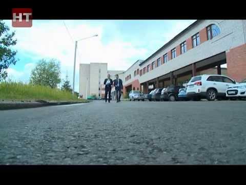 Исполняющий обязанности главы администрации Великого Новгорода Александр Тарасов сегодня вновь проинспектировал улицы