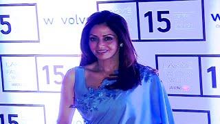 Video Sridevi stunning beautiful in saree and sleeveless blouse at Lakme Fashion Week 2015. MP3, 3GP, MP4, WEBM, AVI, FLV Oktober 2018