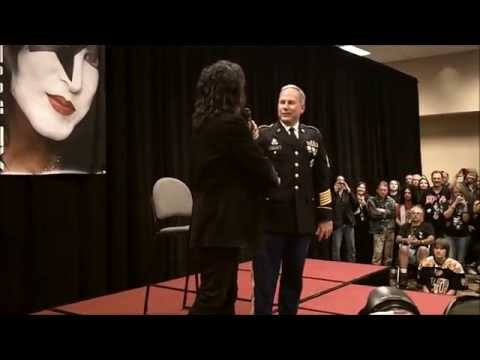 KISS INDY EXPO 2014 - A MOUNTAINOUS ROCKUMENTARY (видео)