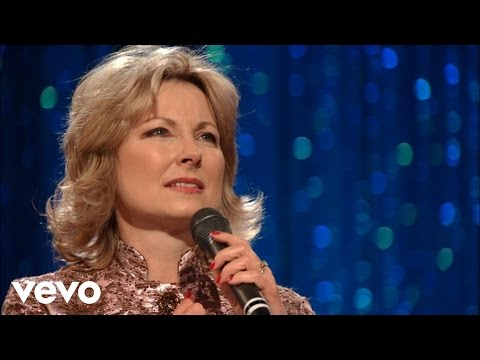 Janet Paschal - Fairest Lord Jesus [Live]