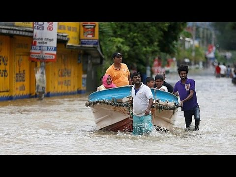 Σρι Λάνκα: Φόβοι για τουλάχιστον 150 νεκρούς από κατολισθήσεις