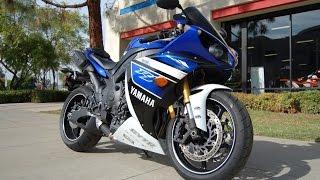 10. 2013 Yamaha YZF-R1 Team Yamaha Blue