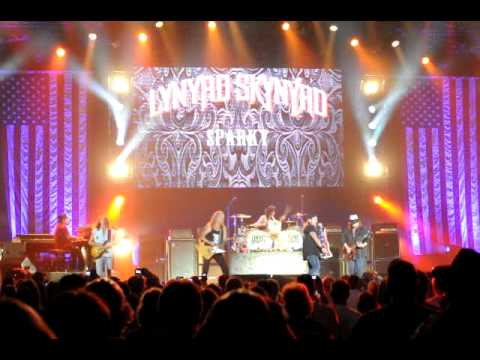 Lynyrd Skynyrd - Free Bird - Hannity Freedom Concert Dallas TX 2010