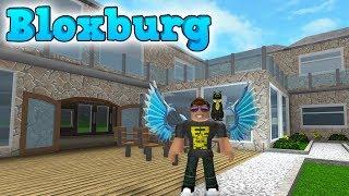 Mere Roblox Bloxburg ud, dudes! I dag begynder arbejdet på første sal! Læs mere om Roblox Bloxburg og spil det her: ...