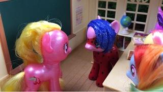 Yeni Yaramaz Öğrenci  Ponylerin Maceraları 11.Bölüm  Türkçe My Little Pony İzle