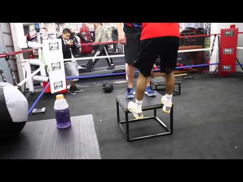 Amir Khan – Doing Strength Exercises with Alex Ariza